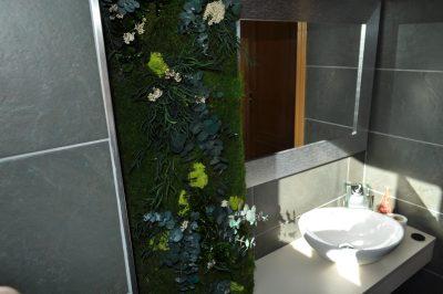 jardin vertical preservando en baño