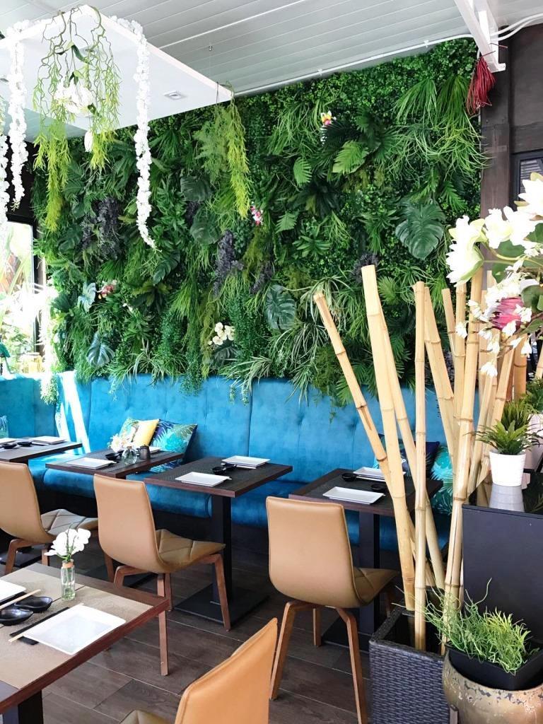Pared jardin vertical artificial restaurante mediterraneo for Decoracion jardin vertical artificial