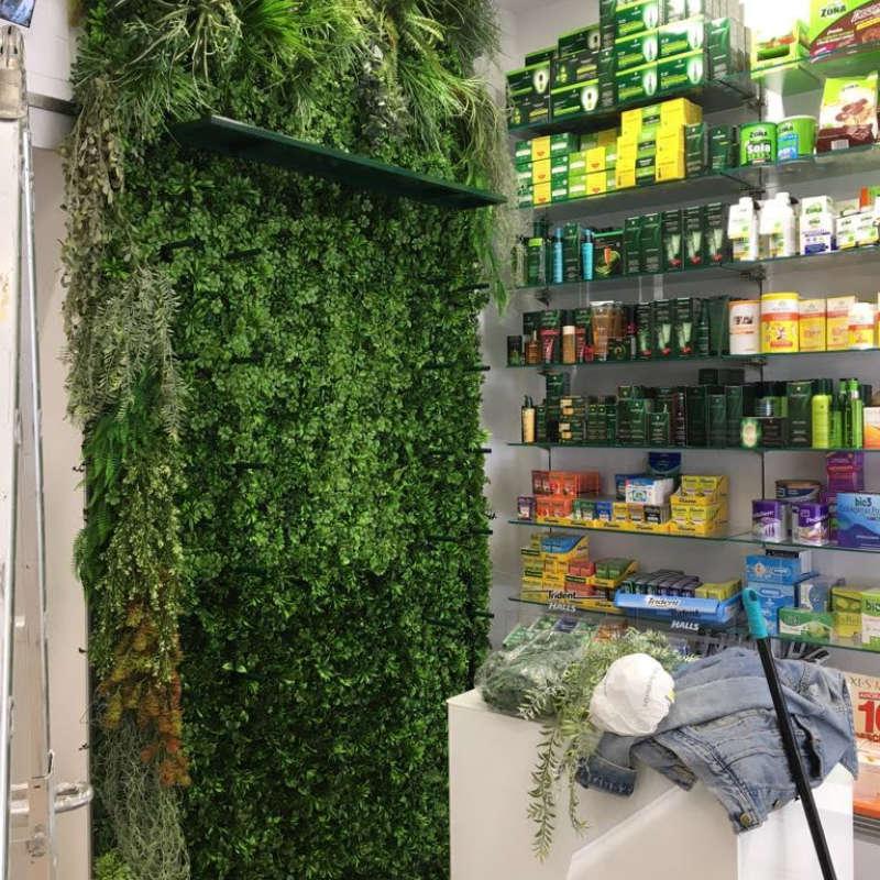 Jardines verticales locales comerciales