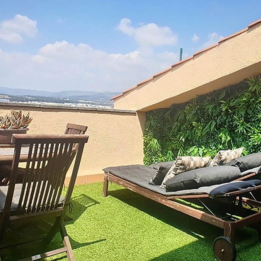 decoración de terrazas con jardines verticales