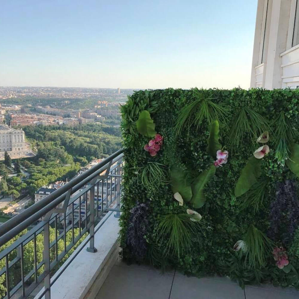 jardín vertical natural en terraza